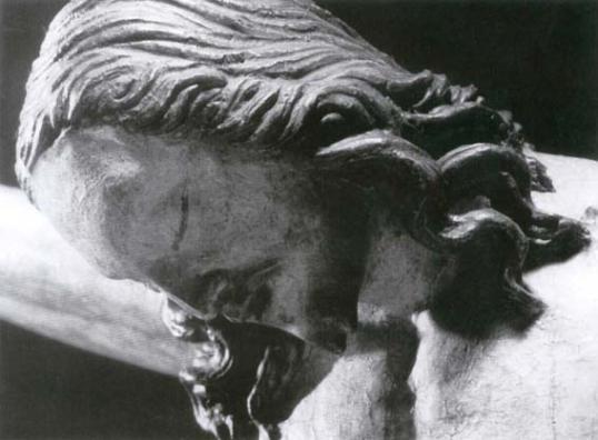 Il-volto-del-Crocifisso-ligneo-attribuito-a-Michelangelo
